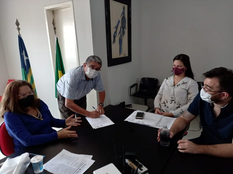 Contador toma posse como membro do Colégio Plenário de Vogais da Jucepi